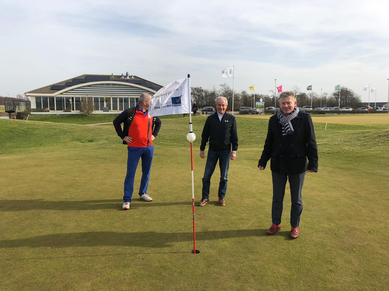 Autobedrijf Dirk van der Steen sponsort Golfclub Heiloo