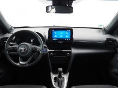 Toyota-Yaris-12