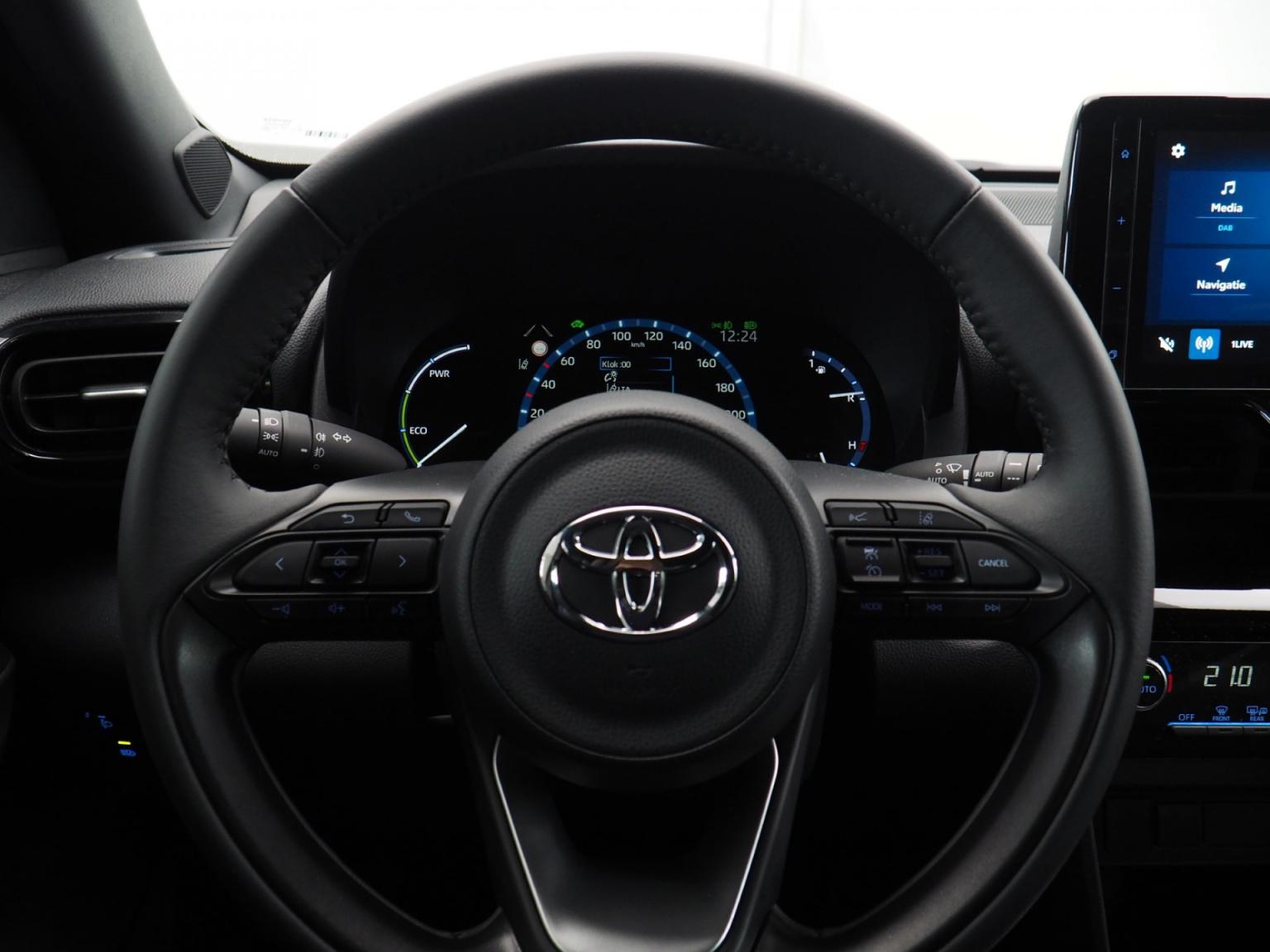 Toyota-Yaris-14
